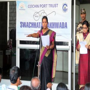 Dr. M. Beena IAS, Chairperson, Cochin Port Trust administering Swachhata Pledge (16.09.2019)